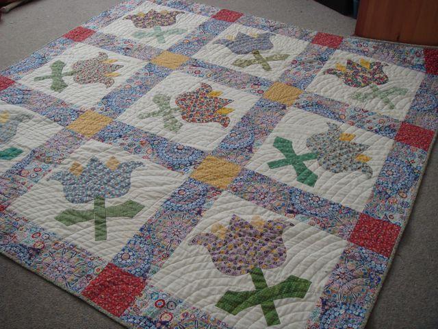 Big Blooms1 quilt