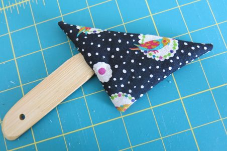 finger pincushion06