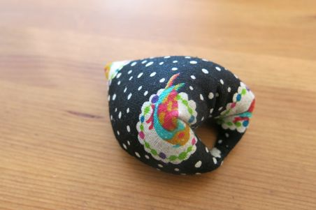 finger pincushion10