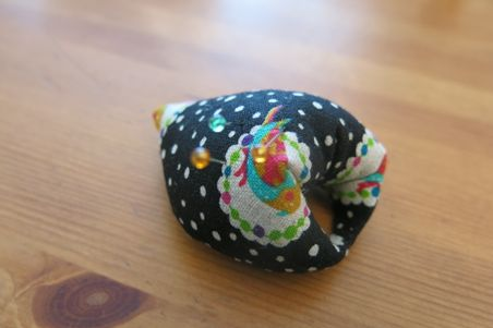 finger pincushion13