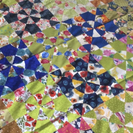 Colour-Flash-Curved-Pieced-Quilt