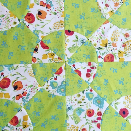 Colour-Flash-Curved-Pieced-Quilt2